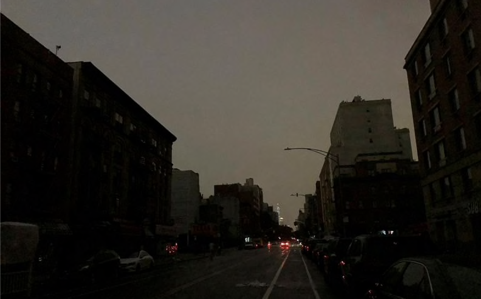 Blackout hits large portions of Upper Manhattan, Queens, leaving over 180,000 people temporarily without power
