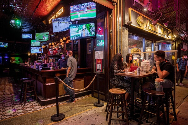 9 of Every 10 Restaurants and Bars in N.Y.C. Can't Pay Full Rent