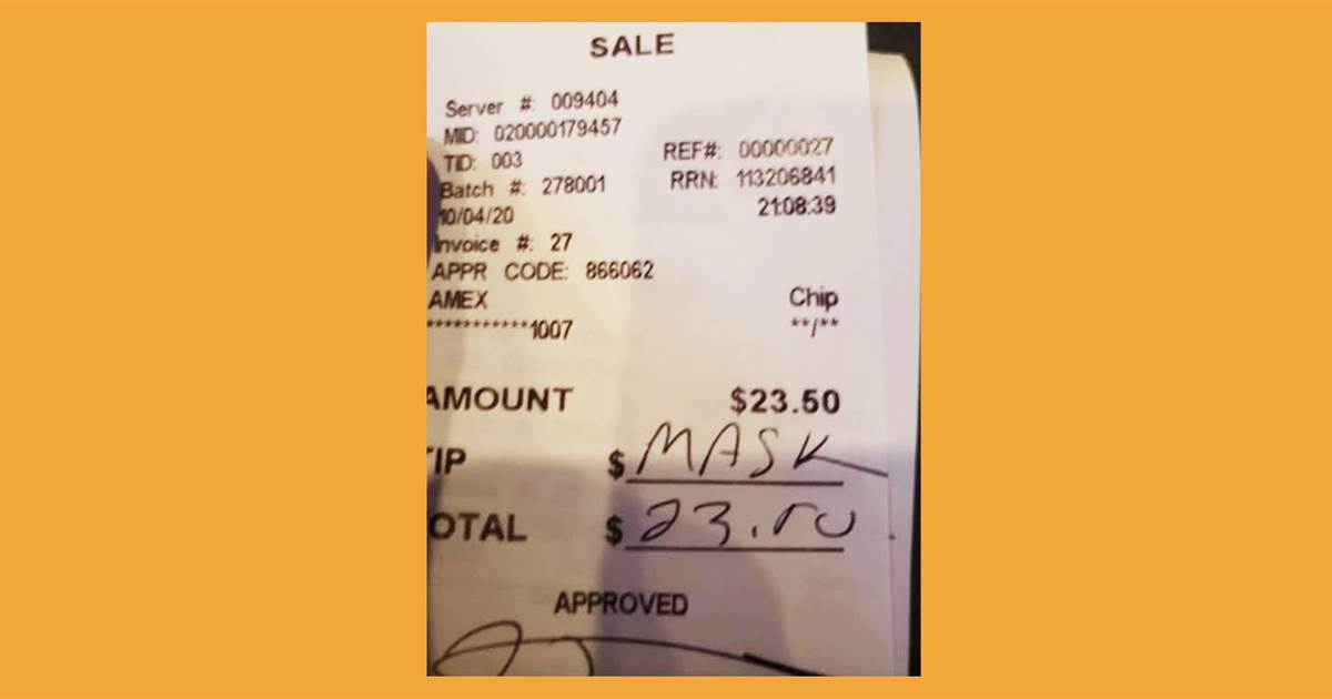 Waitress asks restaurant patrons to wear mask, they write the word 'mask' where tip should be
