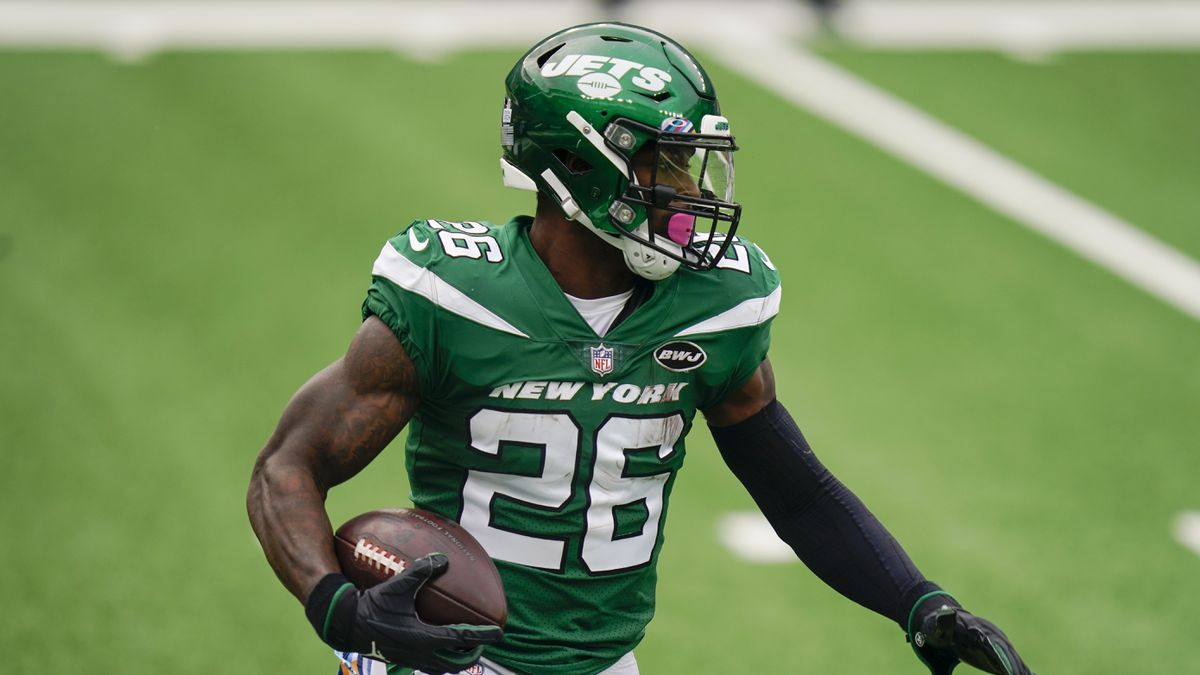 Le'Veon Bell's days with Jets have ended as team cuts unhappy running back