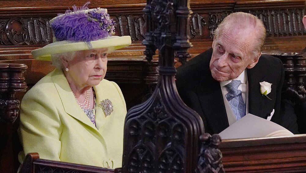 Queen Elizabeth, Prince Philip receive COVID vaccine