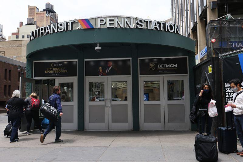 Cops bust man wielding ax on train headed to Penn Station