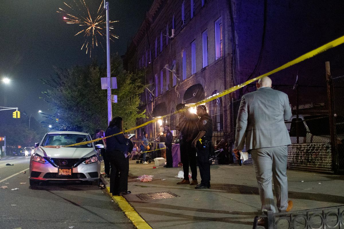 Argument over leaning on car leads to shooting death in Brooklyn