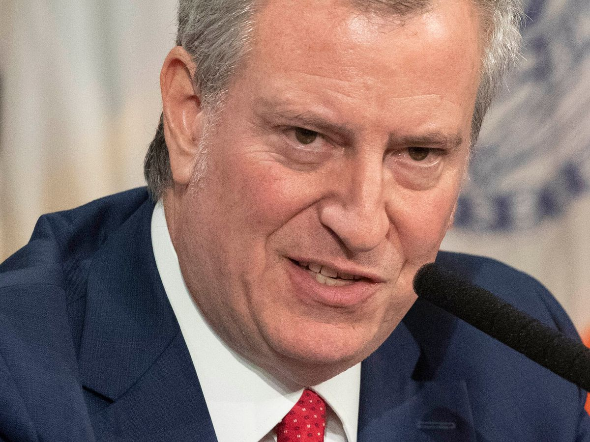 De Blasio promises new mask rules for NYC coming Monday — nearly a week after CDC update